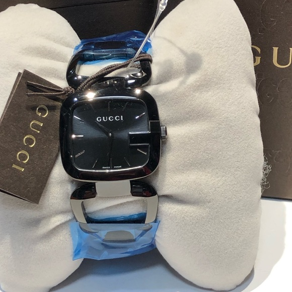 b7a77aec30d NIB Gucci 125 G- Series Bracelet Watch
